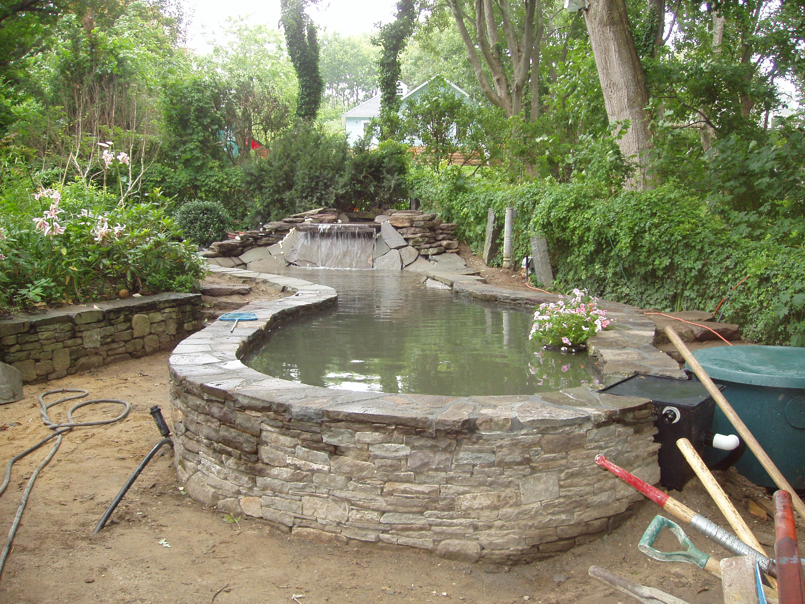 How to build an above ground koi pond round designs for Koi in above ground pool